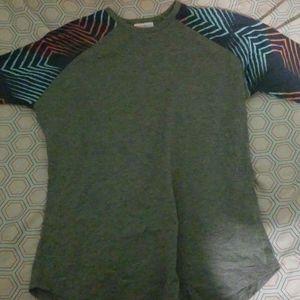 2 Grey tshirts